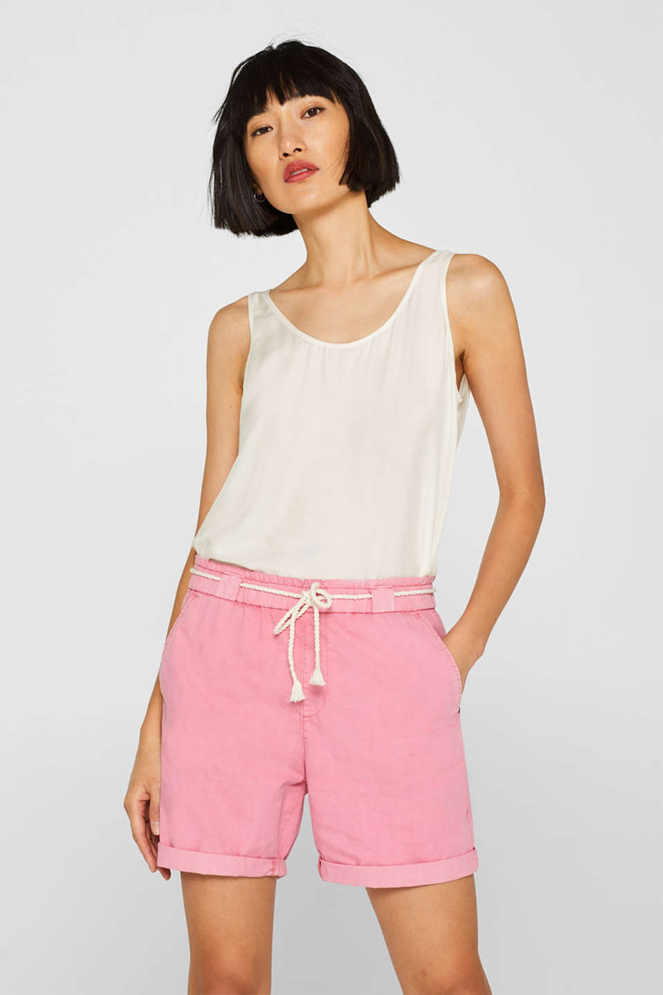 Esprit - 100% cotton shorts with a cord belt