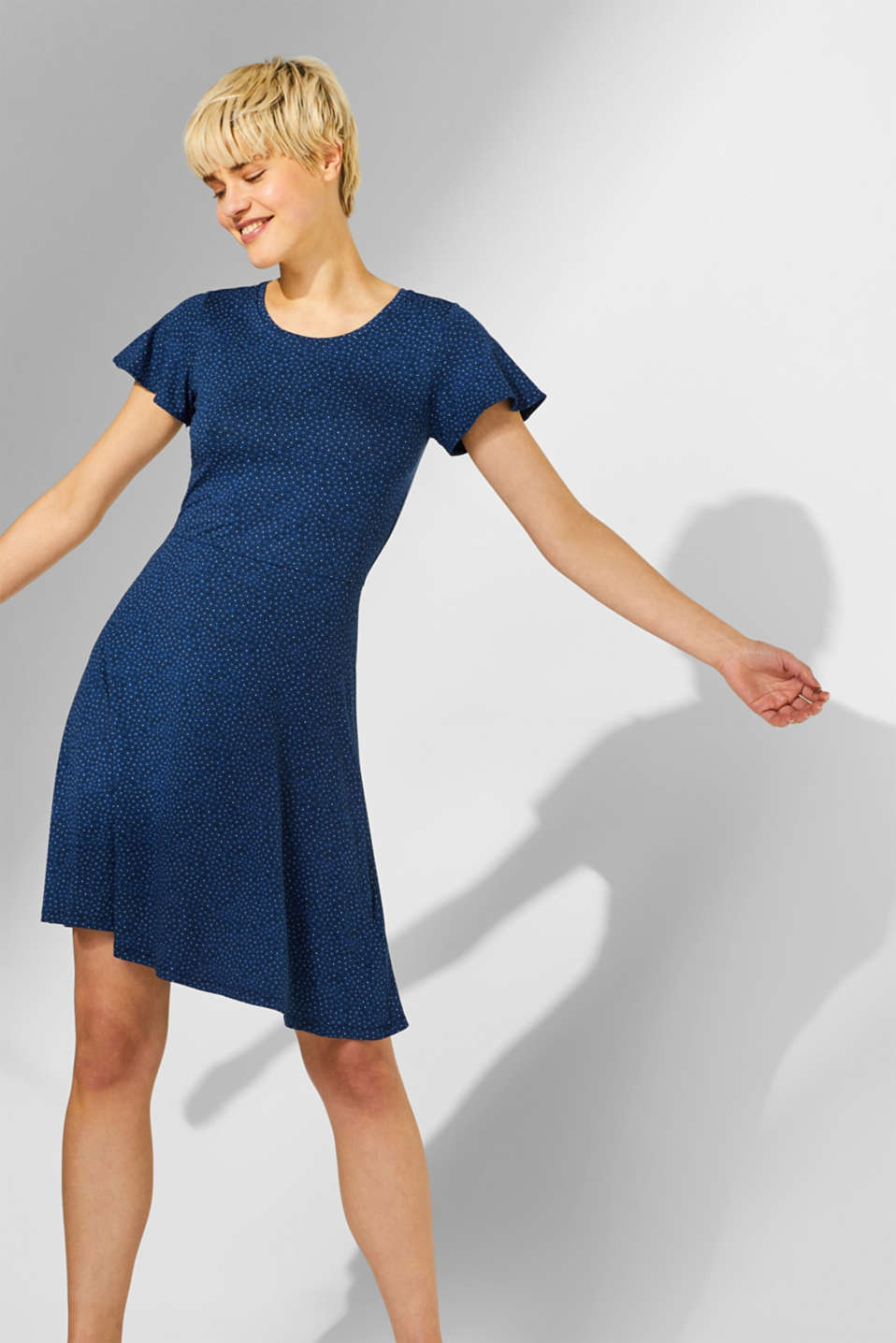 Esprit - Jersey stretch dress with a swirling skirt