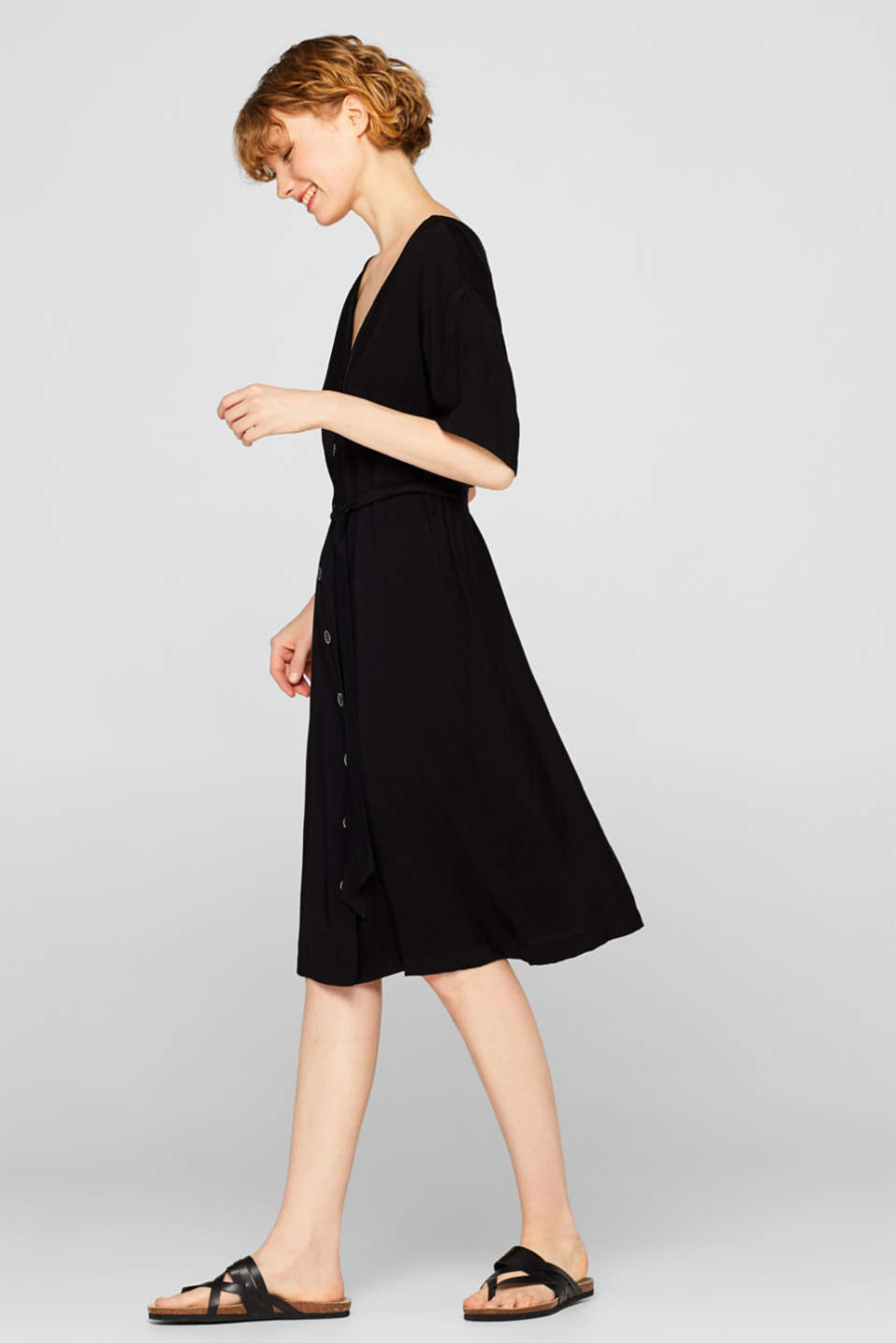 Esprit - Midi dress with a button placket and belt