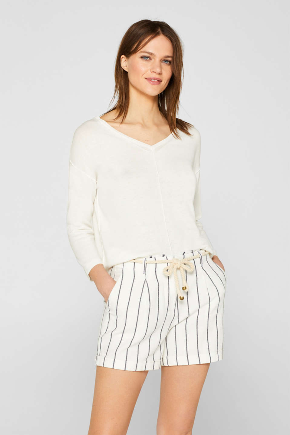 Esprit - Linen blend: jumper with a double V-neckline