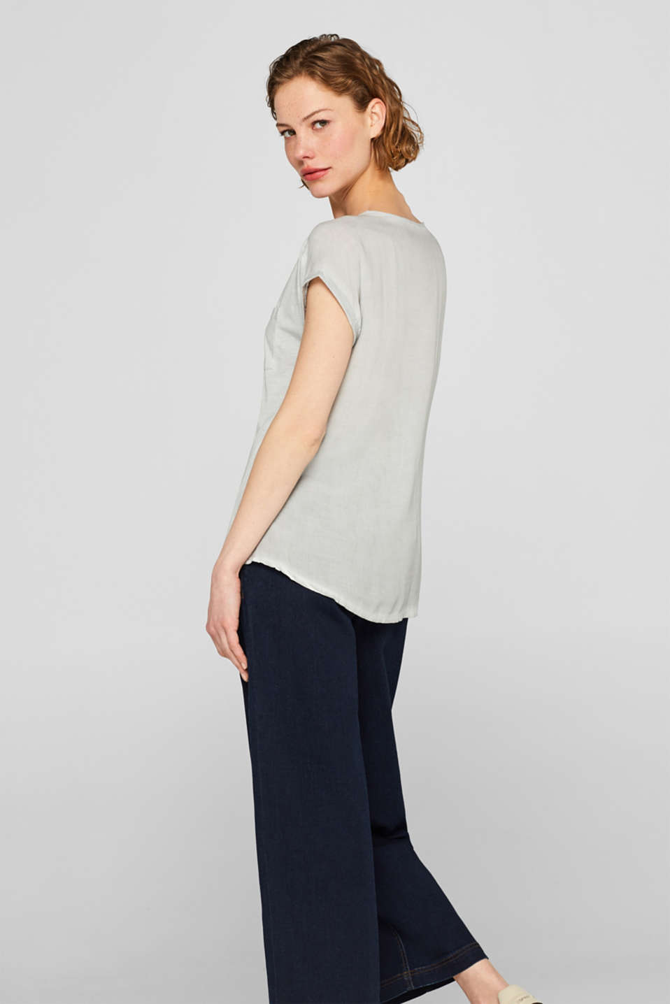 T-shirt in blended fabric with a breast pocket, LIGHT GREY, detail image number 3