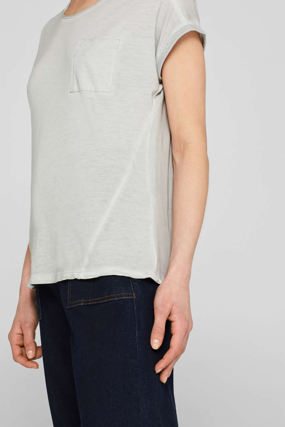 T-shirt in blended fabric with a breast pocket, LIGHT GREY, detail image number 5