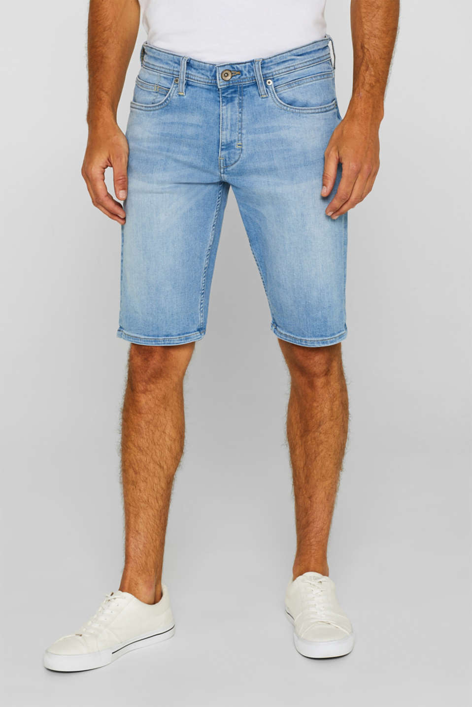 Esprit - Super stretch denim shorts with COOLMAX®