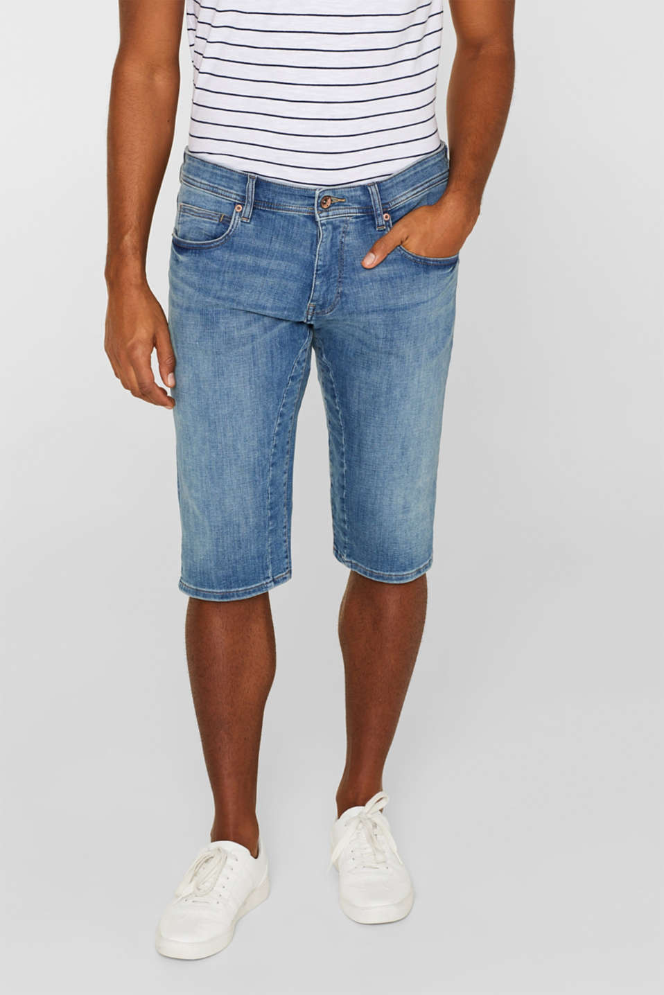 Esprit - Stretch denim shorts containing organic cotton