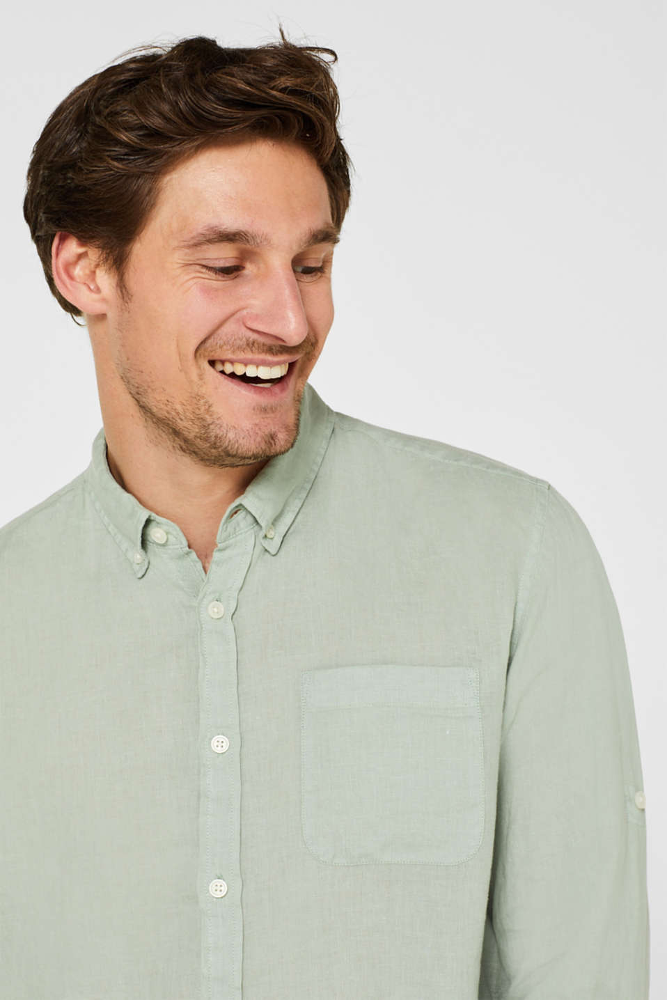 100% linen shirt with a button-down collar