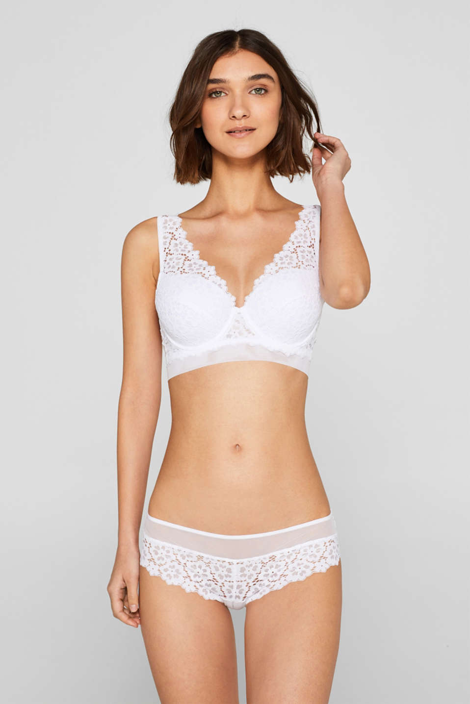 Esprit - Padded underwire bra made of lace and tulle