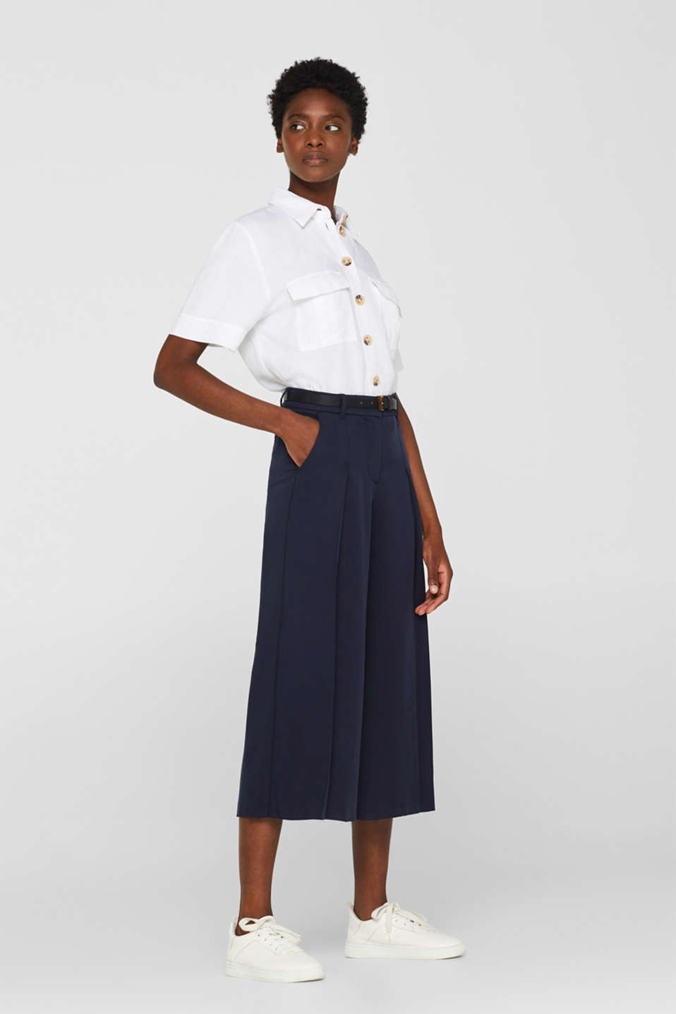 Textured culottes with a belt, 100% lyocell