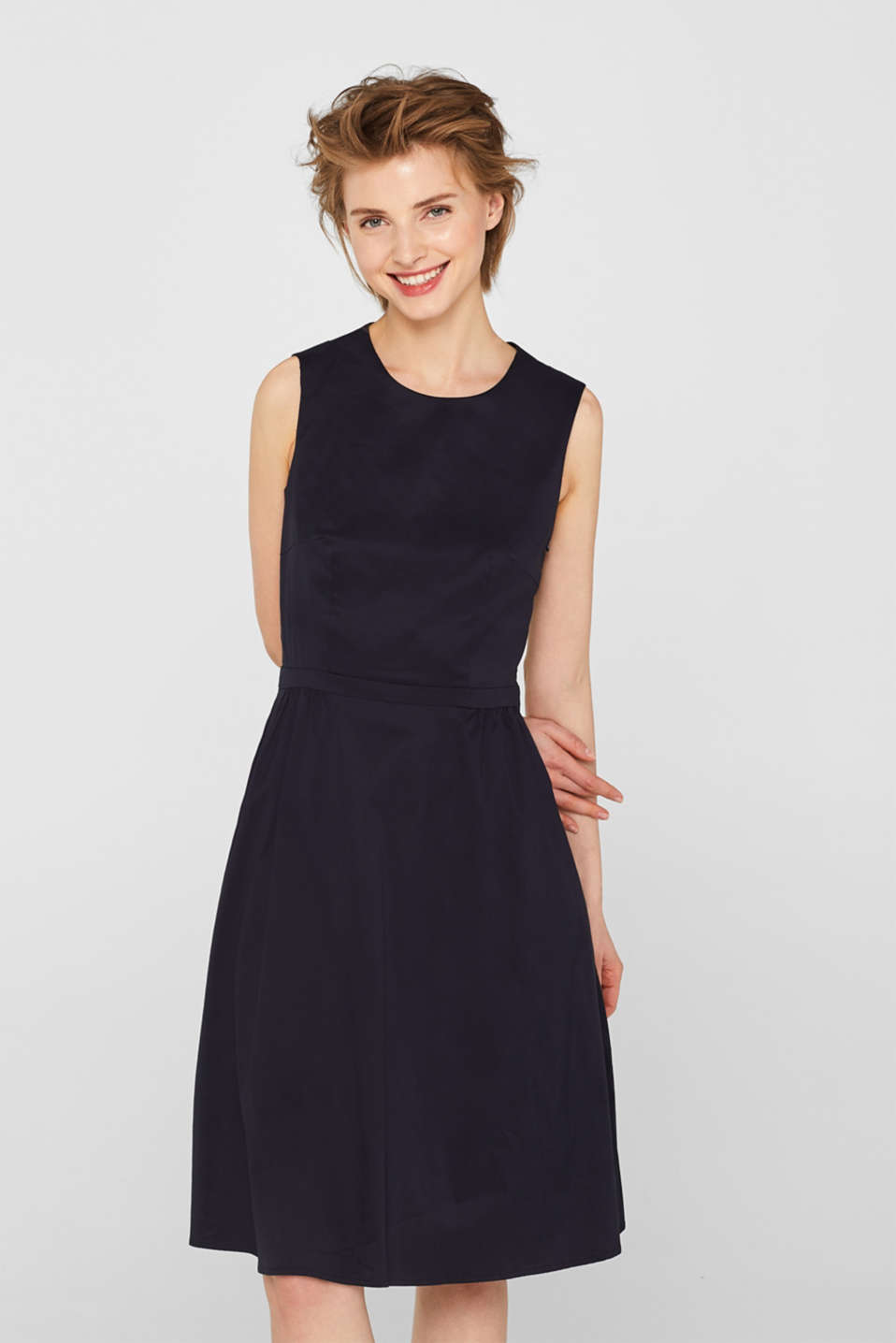 Esprit - Poplin dress with a sophisticated back