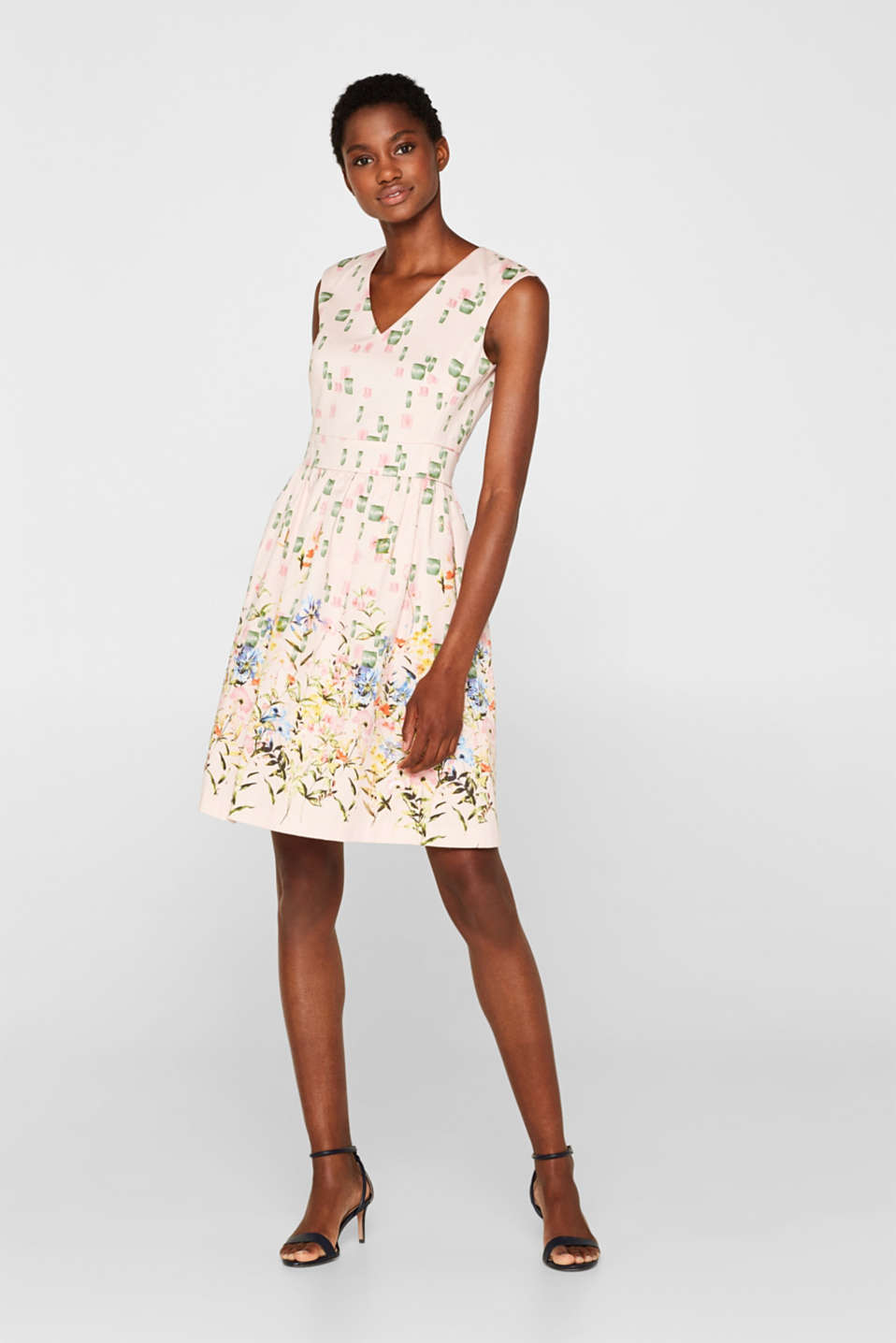 Esprit - Cocktail dress in stretch satin with a print