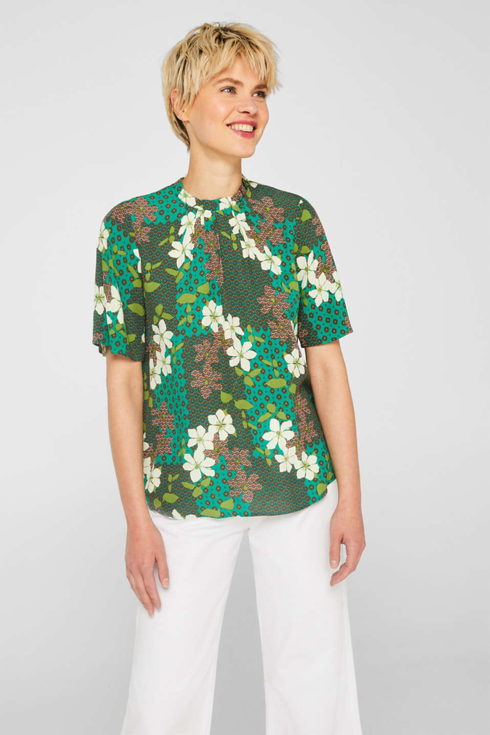 Esprit - Dainty granddad collar blouse with a modern print