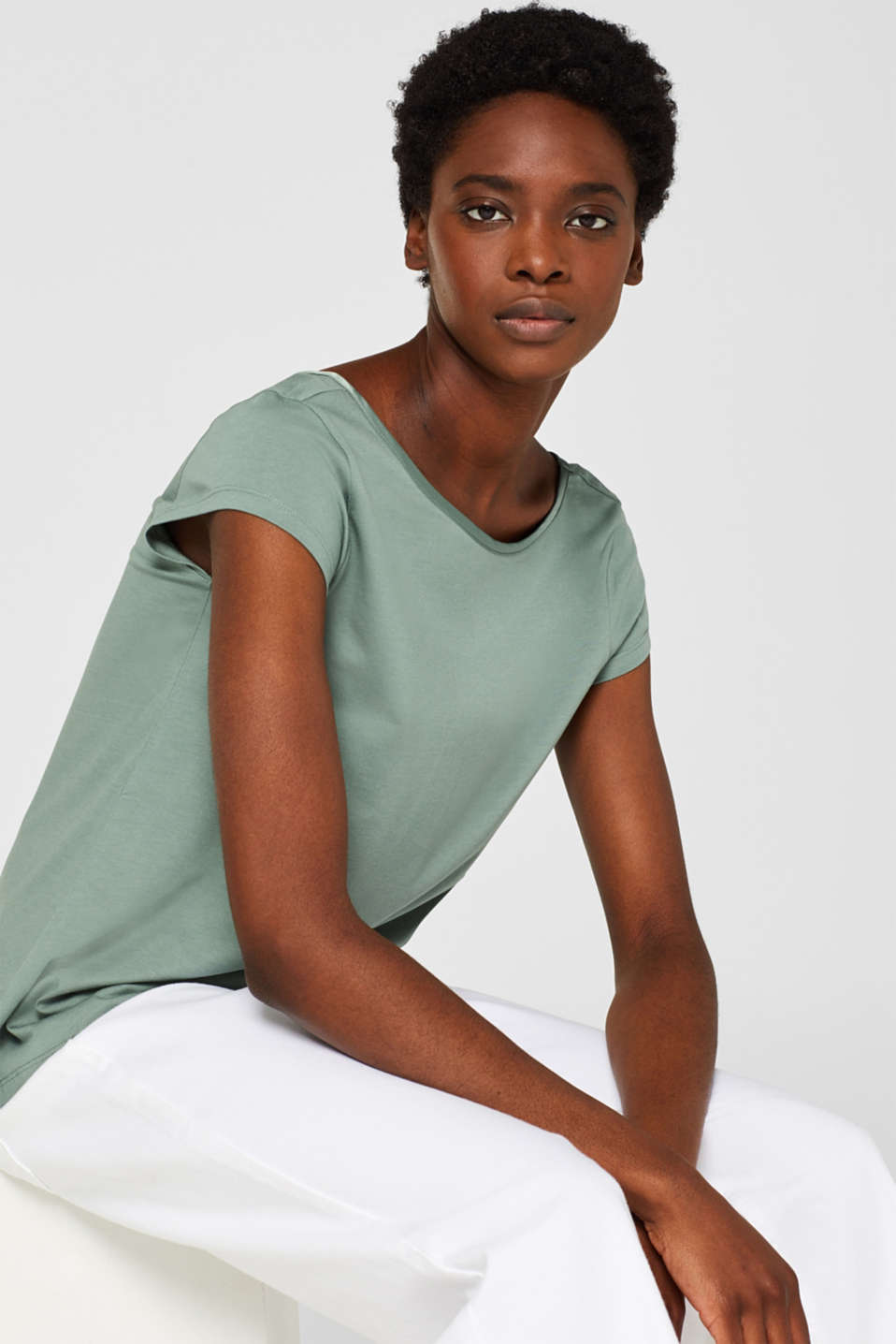Esprit - Top with a sophisticated back neckline