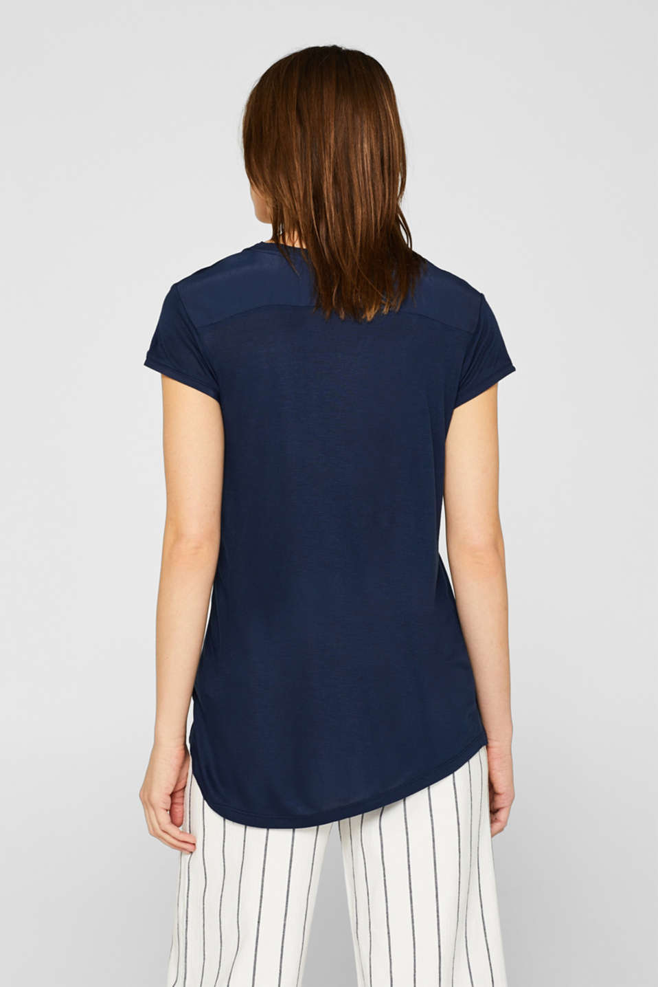V-neck top in an exquisite material mix, NAVY, detail image number 3