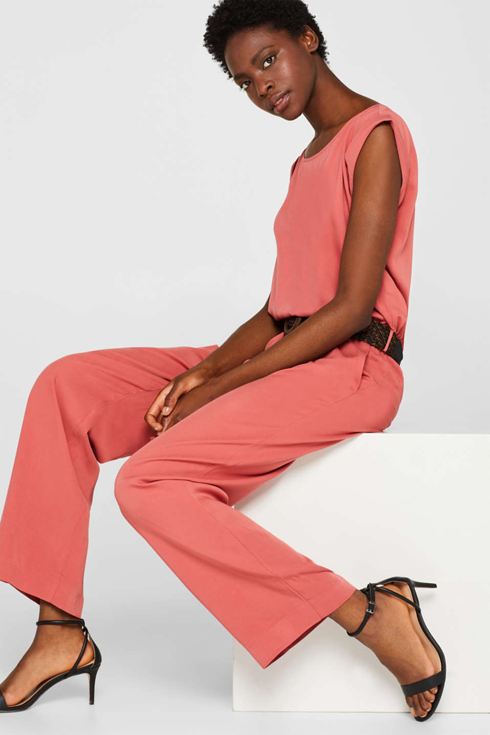 Esprit - Flowing jumpsuit with a wide woven belt