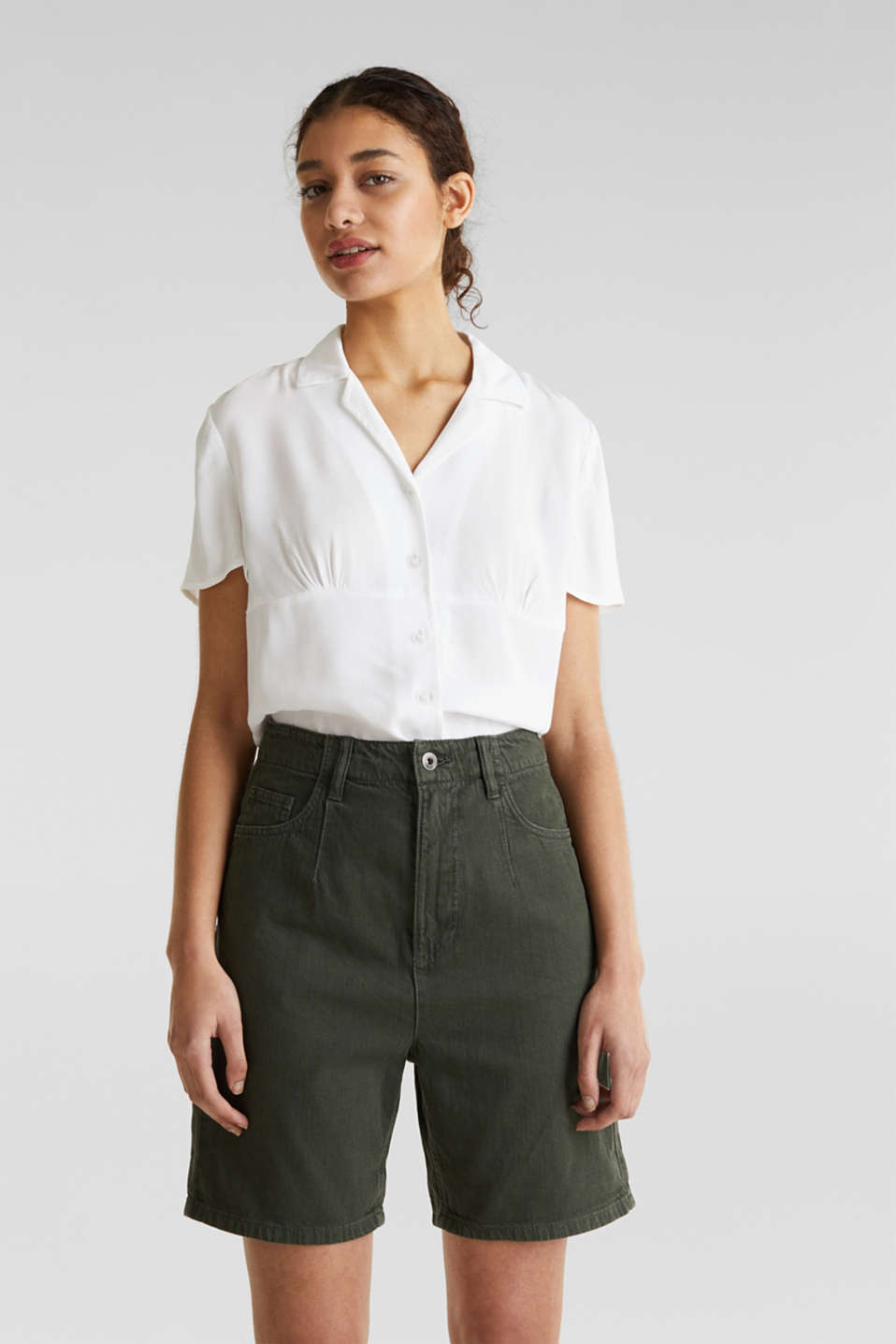 With linen: high-waisted shorts, KHAKI GREEN, detail image number 0
