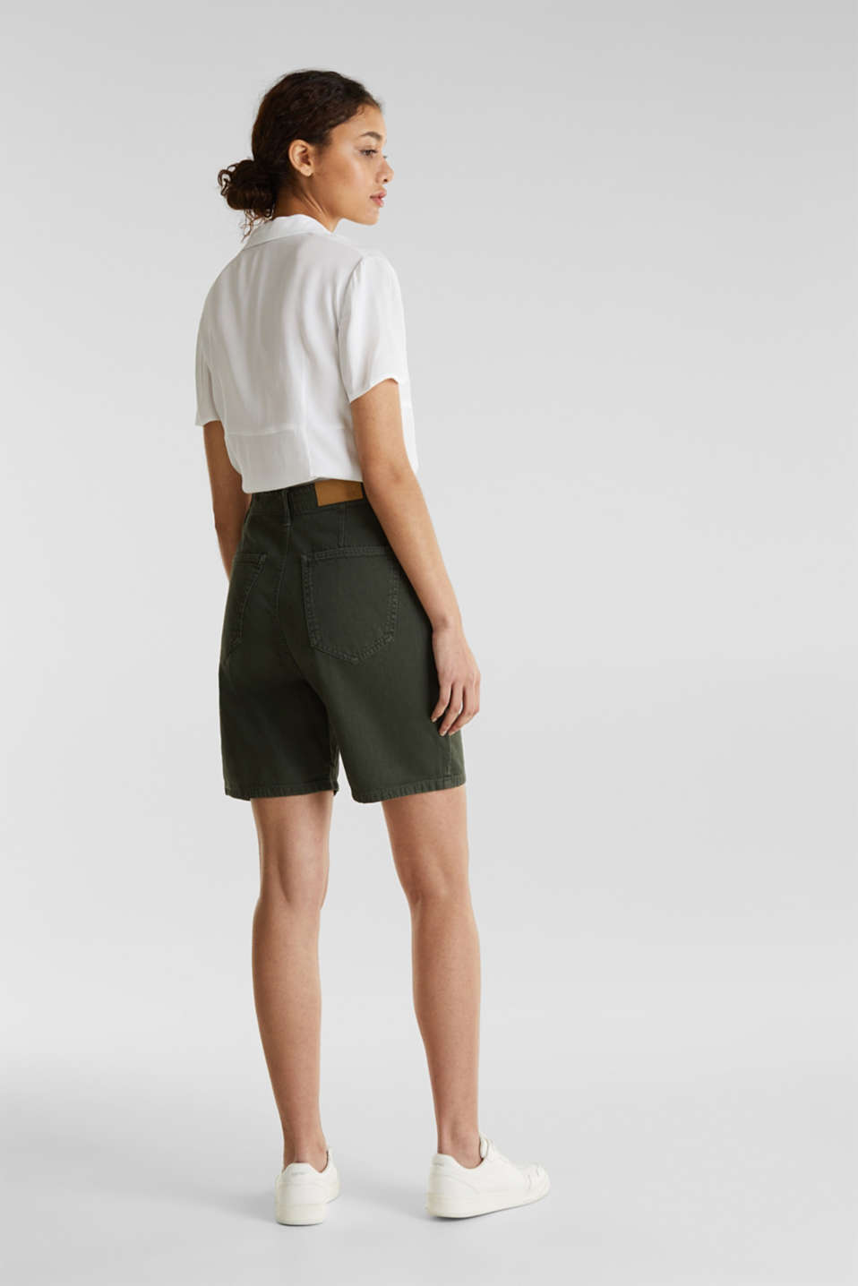 With linen: high-waisted shorts, KHAKI GREEN, detail image number 3