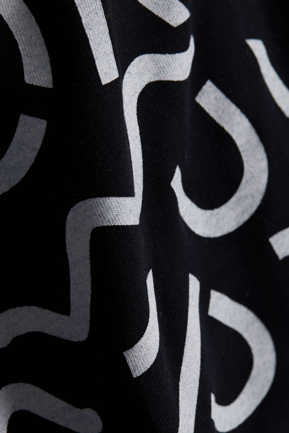 Top with a monogram print, BLACK, detail image number 4