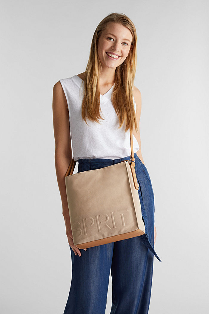 Canvas bag with an embossed logo, BEIGE, detail image number 1