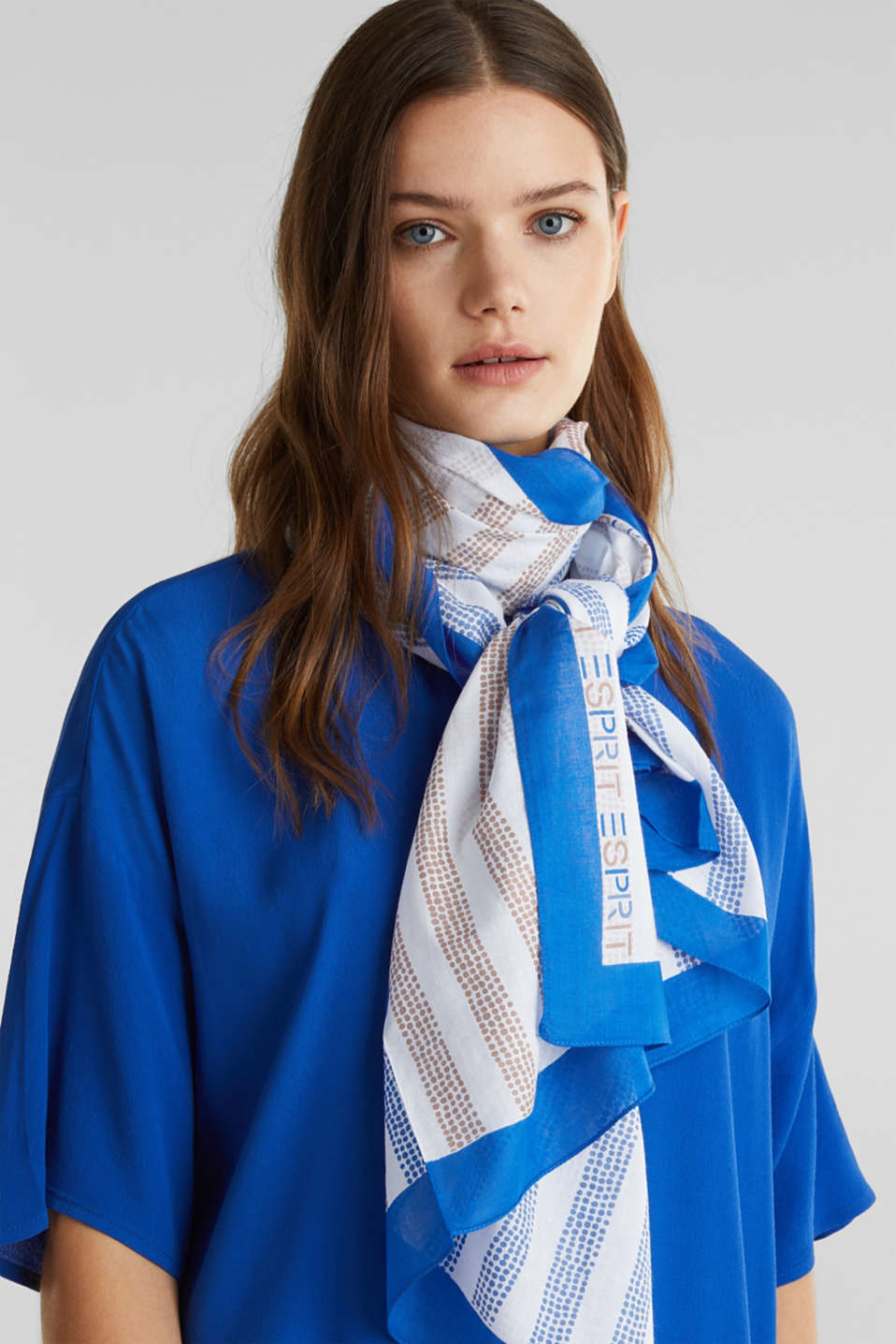 Printed scarf made of 100% organic cotton, BRIGHT BLUE, detail image number 1