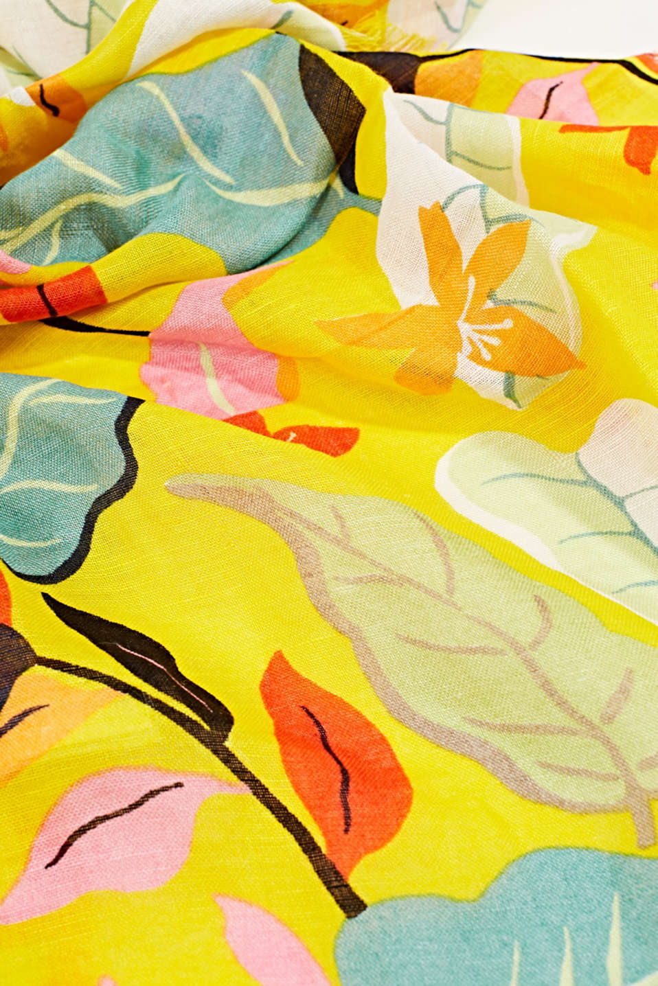 Made of linen and LENZING™ ECOVERO™: printed scarf, BRIGHT YELLOW, detail image number 2