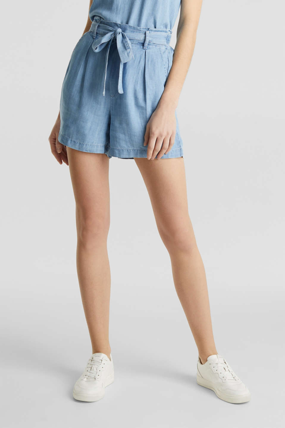 Made of TENCEL™: shorts in a denim look, BLUE BLEACHED, detail image number 5