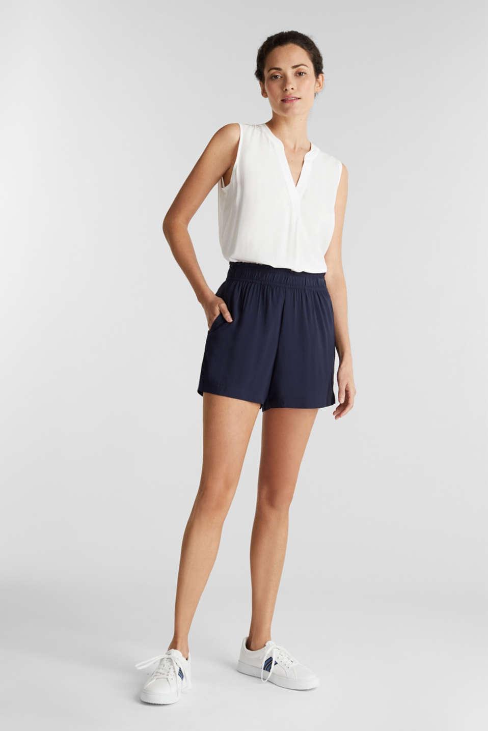 Shorts made of LENZING™ ECOVERO™, NAVY, detail image number 1