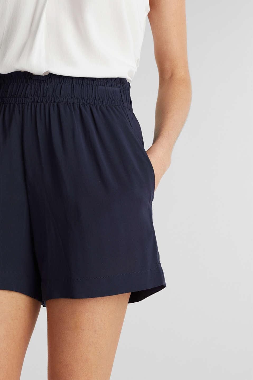 Shorts made of LENZING™ ECOVERO™, NAVY, detail image number 2