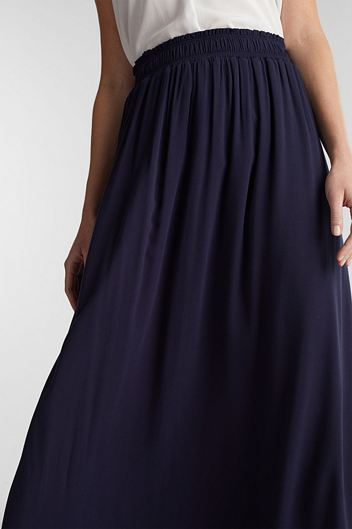 Maxi skirt in flowing crêpe, NAVY, detail image number 2