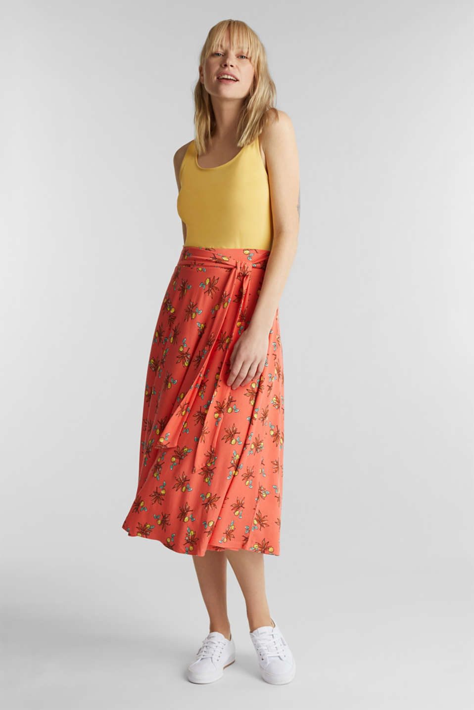 Esprit - Stretch jersey skirt with a belt