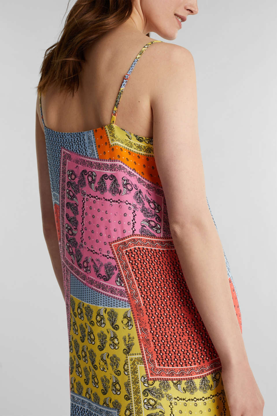 Maxi dress with a bandana print, CORAL 4, detail image number 5
