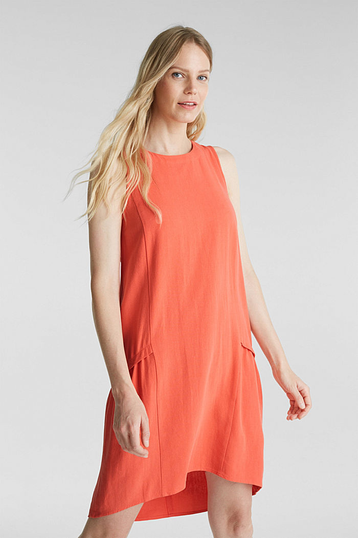 With linen: dress with a high-low hem