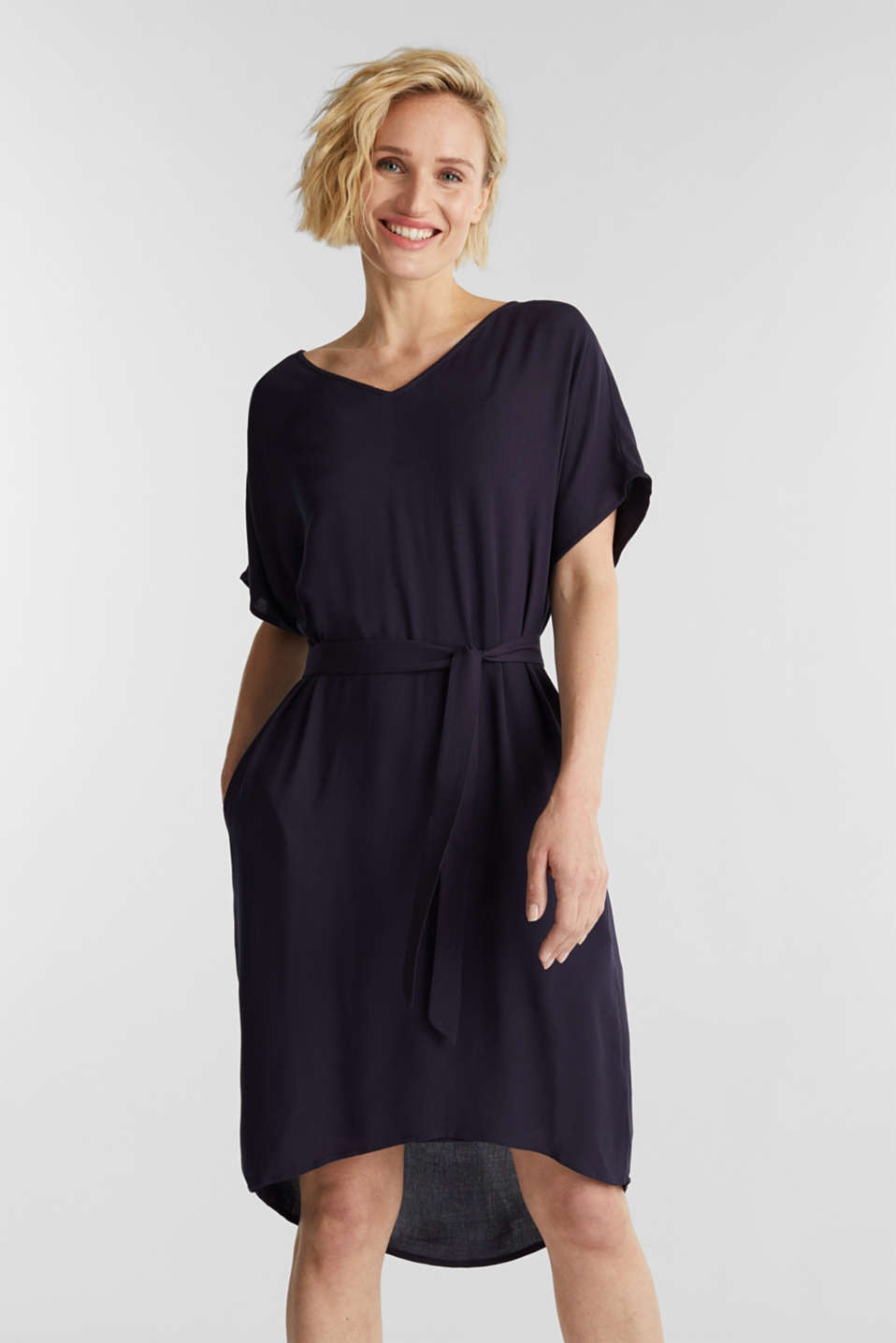 Esprit - Dress with a high-low hem