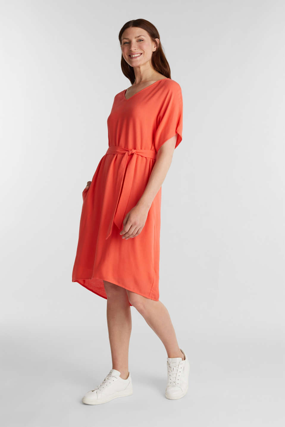 Dress with a high-low hem, CORAL, detail image number 1