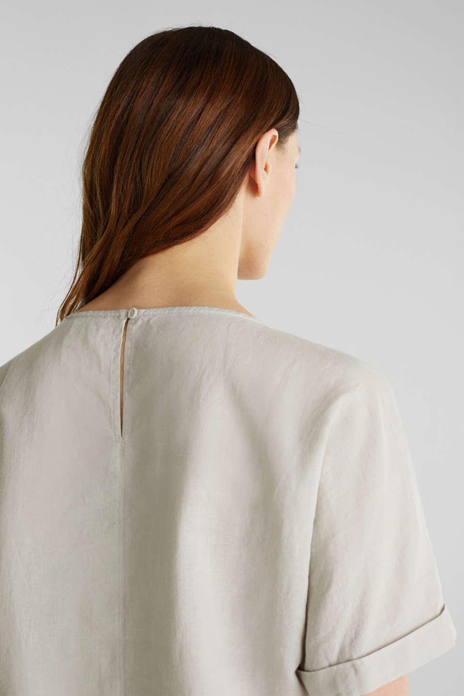 Linen blend: Blouse in a shirt shape, LIGHT BEIGE, detail image number 6