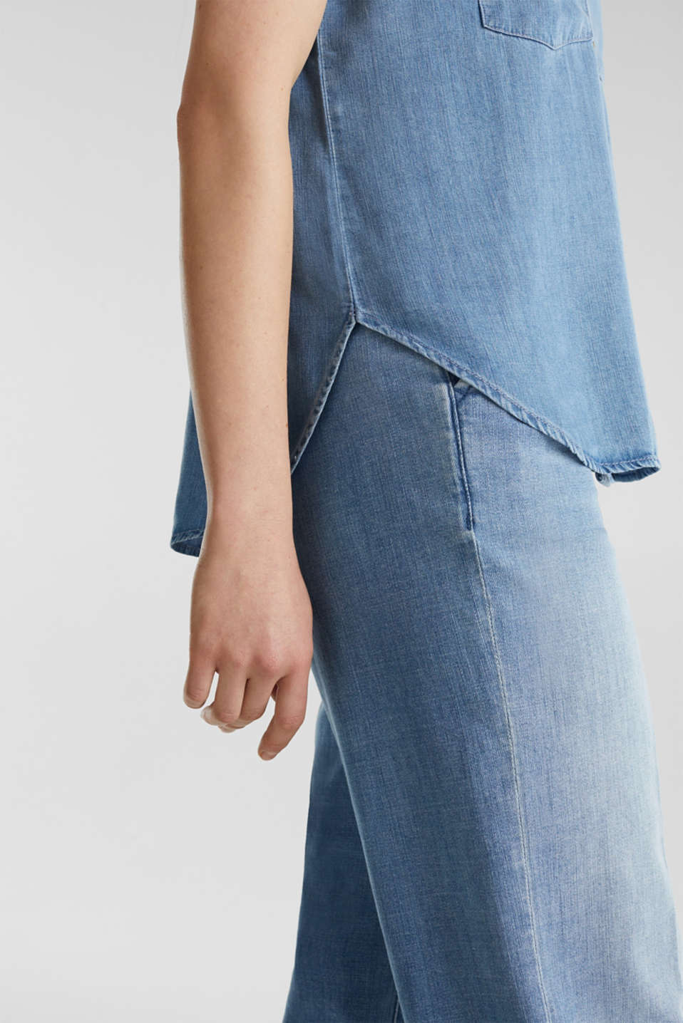 Made of TENCEL™: Denim blouse top, BLUE LIGHT WASH, detail image number 2