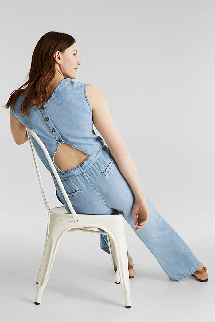 Made of TENCEL™: jumpsuit with a cut-out, BLUE BLEACHED, detail image number 1