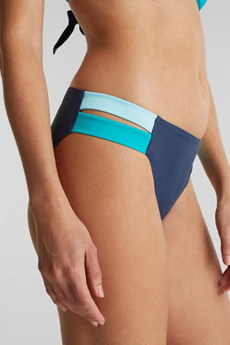 Briefs with contrasting colour sides