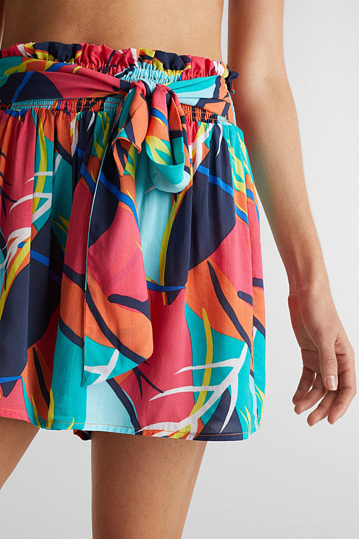 Beach shorts with a tropical print, RED ORANGE, detail image number 3
