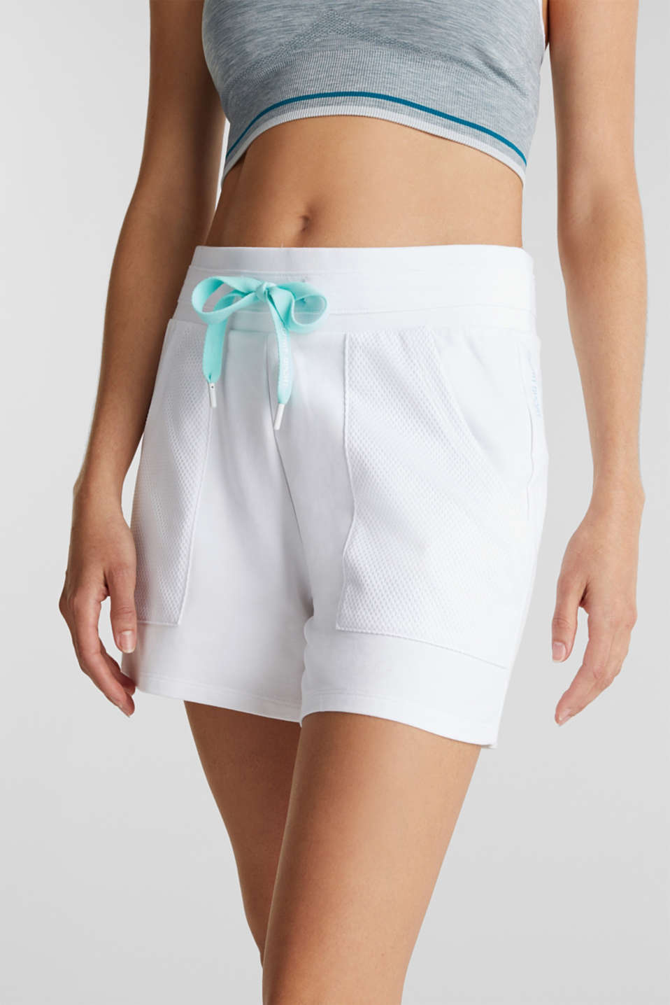 Sweatshirt fabric shorts with mesh pockets, WHITE, detail image number 2