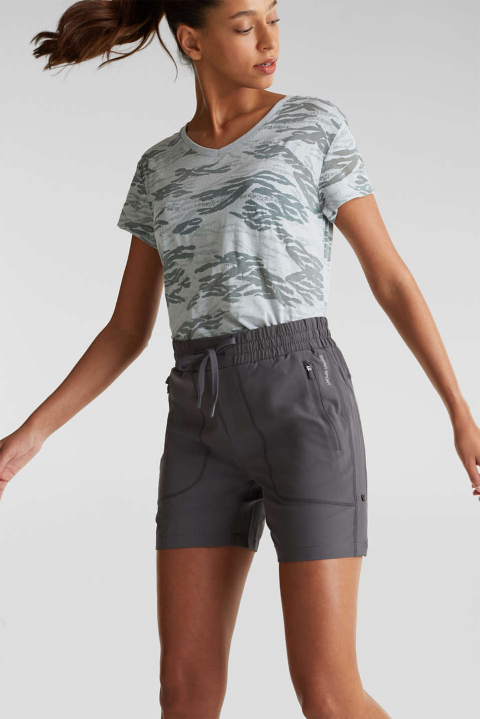 Esprit - Active shorts with pockets, E-DRY