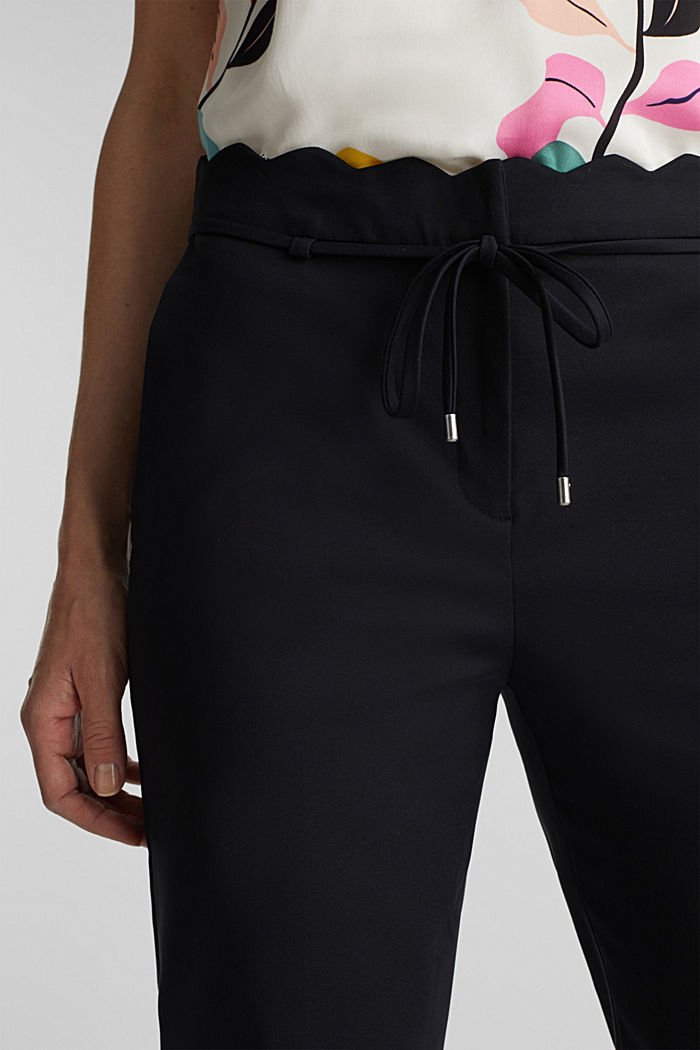 Ankle-length trousers with a scalloped waistband, BLACK, detail image number 2