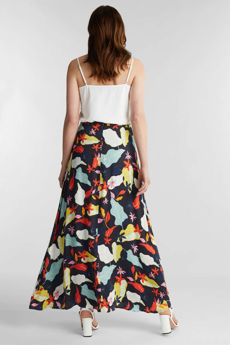 Made of LENZING™ ECOVERO™ Maxi skirt with a print, BLACK 3, detail image number 3