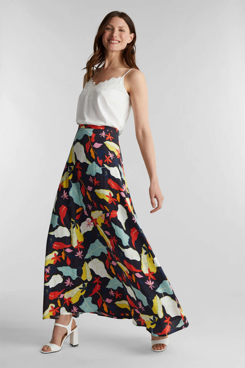 Made of LENZING™ ECOVERO™ Maxi skirt with a print, BLACK 3, detail image number 1