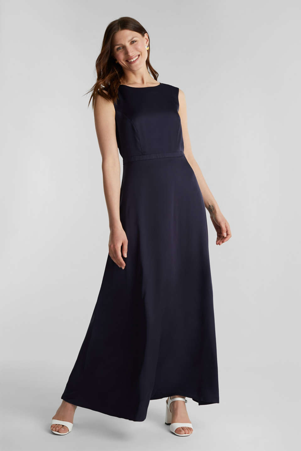 Satin maxi dress made of LENZING™ ECOVERO™, NAVY, detail image number 1