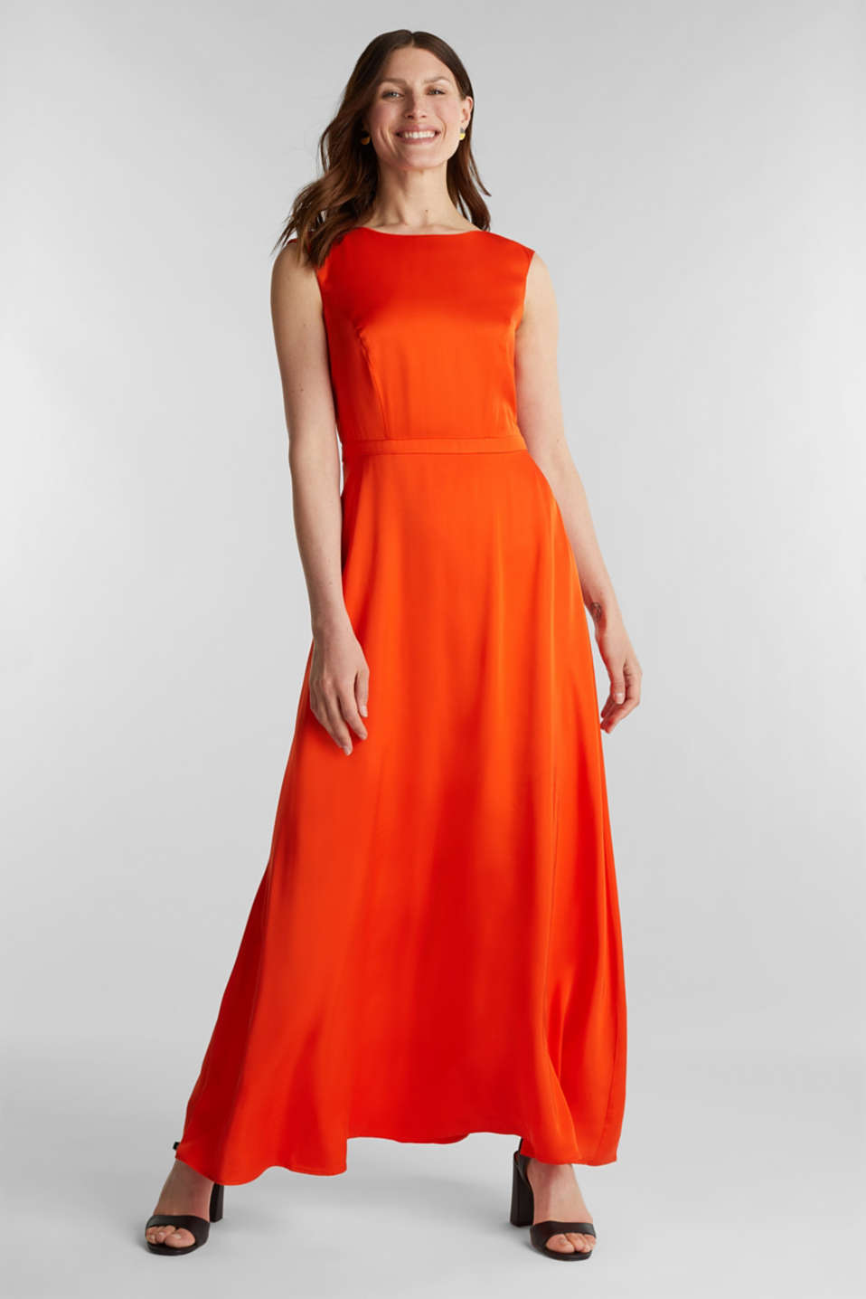 Esprit - Satin maxi dress made of LENZING™ ECOVERO™