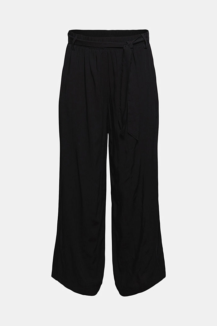 Flowing culottes with a tie-around belt