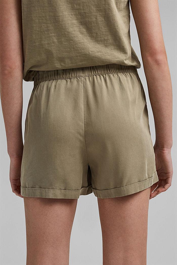 Aus TENCEL™: Shorts mit Kordelzugbund, LIGHT KHAKI, detail image number 5