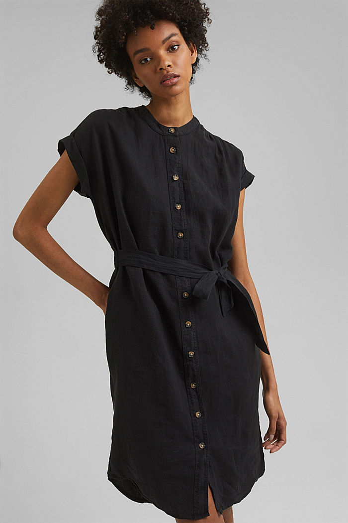 En lin: la robe-chemise ceinturée