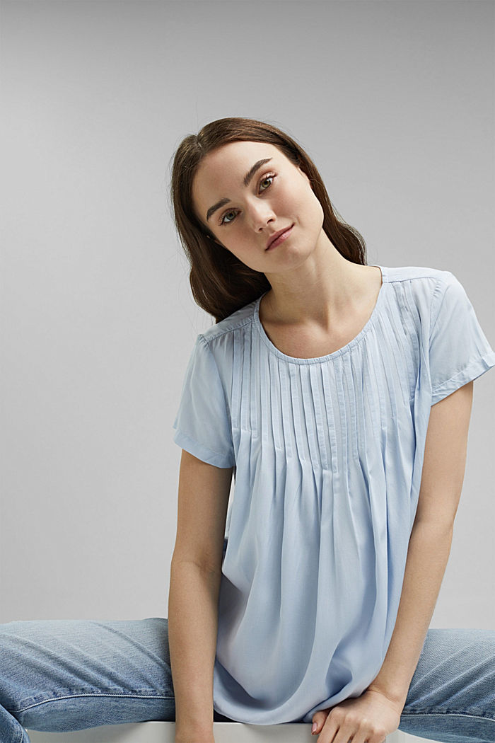 Blouse with pintucks made of LENZING™ ECOVERO™, LIGHT BLUE LAVENDER, detail image number 6