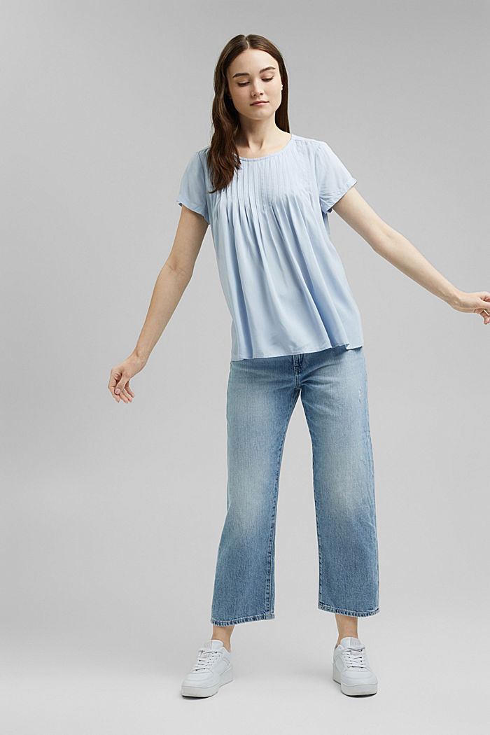 Blouse with pintucks made of LENZING™ ECOVERO™, LIGHT BLUE LAVENDER, detail image number 1