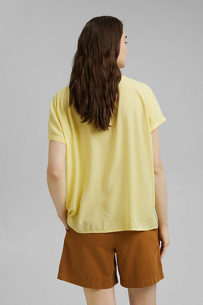 Blouse with pintucks made of LENZING™ ECOVERO™, LIGHT YELLOW, detail image number 3